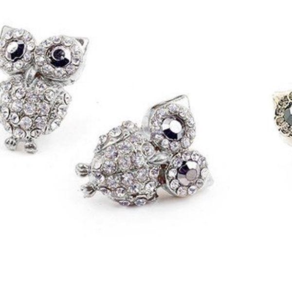 Luxusní náušnice ve tvaru sovy s dvěmi druhy kamínků ve dvou barevných provedeních pro každou příležitost!