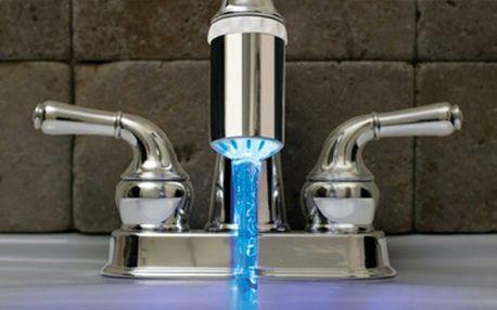 Nepropásněte jedinečnou příležitost! Ohromte děti a návštěvy barevnou vodou z kohoutku díky LED nástavci na vodovod jen za 139 Kč s HyperSlevou 77 %!
