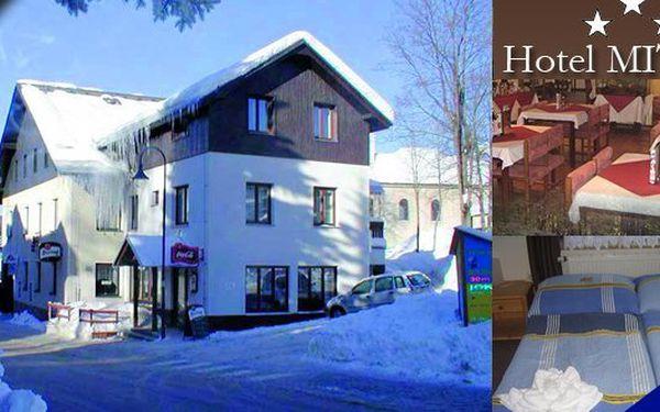 HARRACHOV - Vychutnejte si zimu na horách v hotelu Mitera Harrachov pro 2 osoby na 3 dny. Velké množství zimního vyžití, bohatá polopenze a sleva na skipas až 30%. To vše za neuvěřitelných 1690 Kč!!!