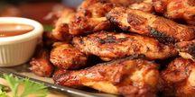 Celé 1kg grilovaných kuřecích dobrot s přílohou!