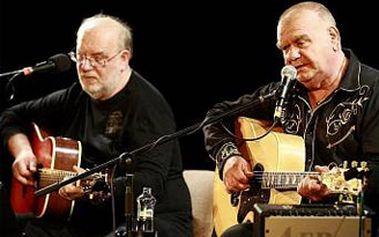 Koncert populárního bratrského dua Františka a Jana Nedvědů se Spirituál kvintetem v Bobycentru.