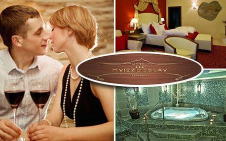4290 Kč za třídenní valentýnský pobyt pro 2 osoby v hotelu Hviezdoslav plný romantiky a relaxu. Užijte si s partnerem luxusní pobyt pod Tatrami se slevou 51 %!