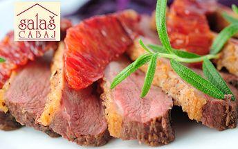 Divinové hody na Salaši Cabaj len za 13,90 €! Vyberte si z 2 divinových menu pre 2 osoby a pochutnajte si na zverinovej paštéte, chutných divinových špecialitách a červenom vínku!