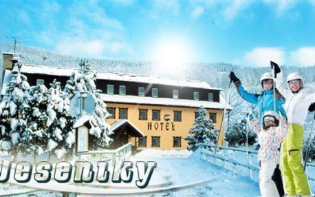 3 dni PRE DVOCH v Jeseníkoch! 2x celodenný SKIPAS do Filipovic, RAŇAJKY a prekvapenie na izbe v cene! Užite si zimnú dovolenku za jedinečných 79 Eur!
