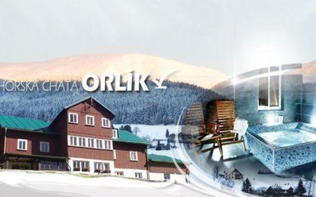 Romantický 3 denný pobyt v KRKONOŠÍCH pre 2 osoby s POLPENZIOU a vstupom do PRIVÁTNEJ WELLNESS zóny len za 112 €! Ubytujte sa v pokojnom prostredí Krkonošského národného parku so zľavou 43%!