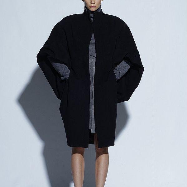 Dámský široký černý kabát Gene
