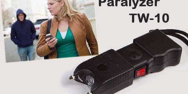 Elektrický paralyzér se svítilnou a alarmem o vysokém výkonu 300 000V.