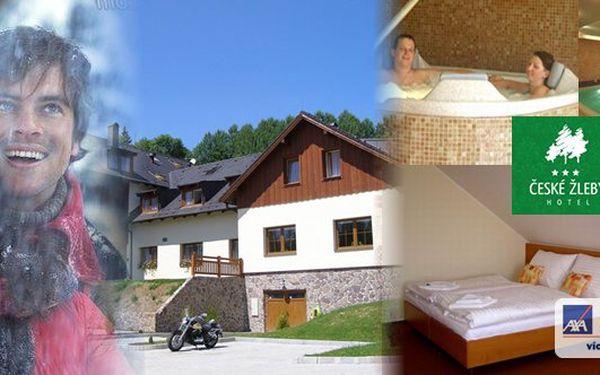 Ubytování na Šumavě s možností lyžování v Rakousku! Pobyt v krásném prostředí pro 2 osoby v hotelu České Žleby*** s polopenzí a lymfatickou masáží pro oba. A navíc BONUS - vířivka, sauna a bazén s protiproudem k dispozici po celý den!