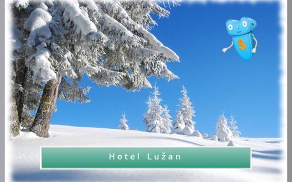 Lužické hory, Rumburk, lyžování. (únor ještě volný!) 2 noci pro 2 osoby, snídaně, skipass, lahev vína v Hotelu Lužan****! Lyžování, běžky či zimní turistika hned za městem, výlety do Německa ideální díky hraničnímu přechodu přímo ve městě! Pobyt ve dnech neděle - čtvrtek!