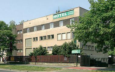 1460 Kč za ubytování na 2 noci (3 dny) pro 2 osoby ve dvoulůžkovém pokoji v hotelu Bohemians v blízkosti historického centra Prahy!