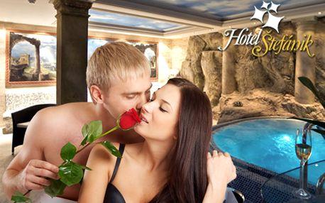 Romantický 3-dňový WELLNESS pobyt pre 2 osoby v Hoteli Štefánik****! V cene raňajky, 3-chodová romantická večera, fľaša sektu, vstup do wellness a relaxačné masáže!