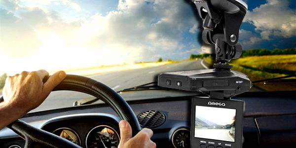 Kamera do auta s 2,4 displejem