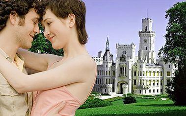 3-dňový pobyt pre dvoch v 4* hoteli Záviš z Falkenštejna v rozprávkovom prostredí! Raňajky, romantická večera pri sviečkách, bazén, sauna, virívka a vstup na zámok!