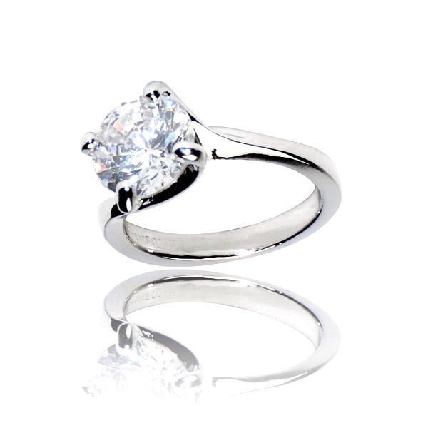 Dámsky strieborný prsteň Bague a Dames s kameňom