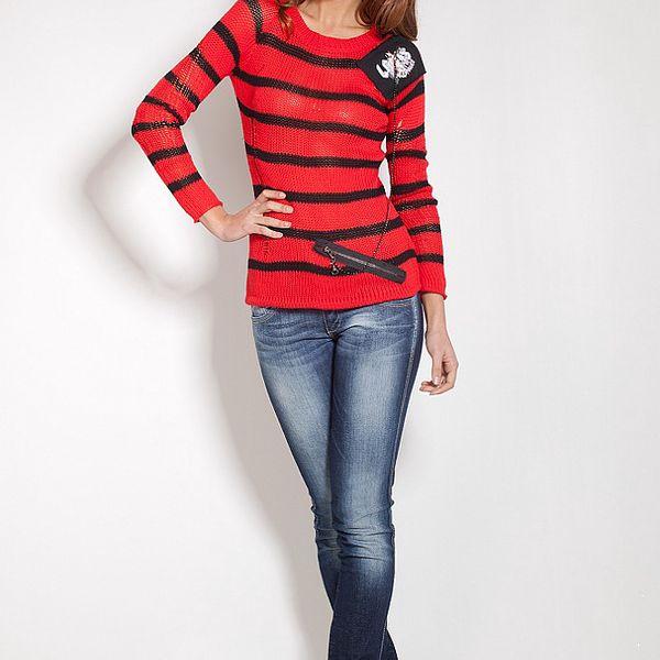 Dámsky červený prúžkovaný sveter Lois s retiazkou