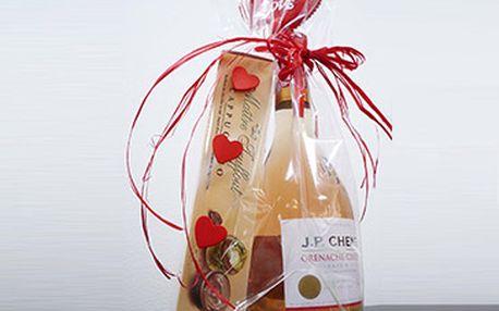 1x růžové francouzské víno J. P. Chenet (0,25l) a 1x pralinky s cappuccinovým krémem za fantastických 125 Kč!