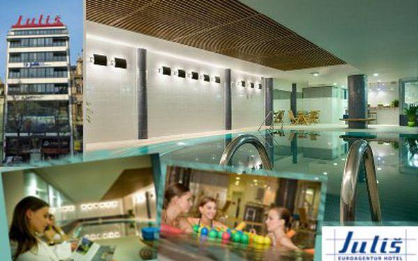 Vířivka, sauna a vyhřívaný bazén za 149 Kč! Přímo na Václaváku!
