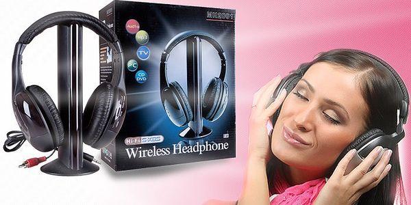 Bezdrátová sluchátka 5v1 s vestavěným FM rádiem, funkcí monitorování a mikrofonem.