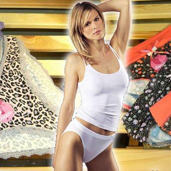 Sada 3 ks dámských bavlněných kalhotek. Výběr je jen na Vás: s gepardím vzorem a krajkou či kytičkové s vyšším lemem ! Kvalitní materiál a perfektní střih !