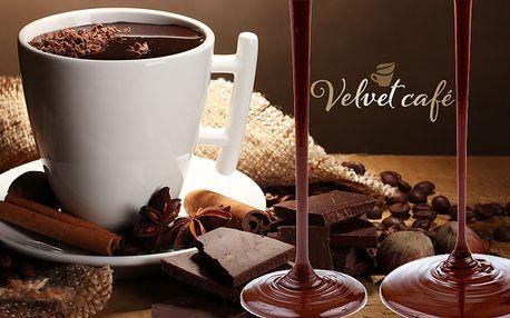 Pravá belgická čokoláda rozpustená priamo pred Vašimi očami plus dva koláčiky len 2,90 €.