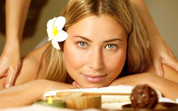 Antistresová masáž o délce 25 minut. Dejte sbohem bolesti hlavy a relaxujte v rukou profesionála.