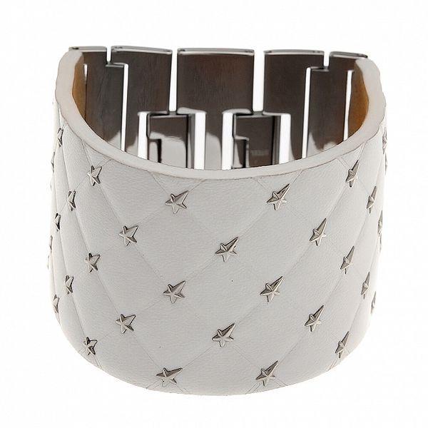 Široký biely kožený náramok Thierry Mugler s kovovými hviezdami