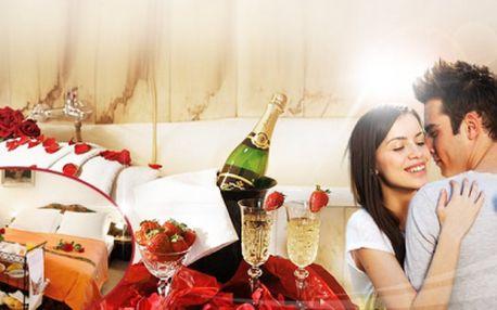"""Užite si 3 romantické dni v penziónu Lucie, ktorý získal ocenenie """"PENZIÓN ROKU 2009""""! Ubytovanie na 2 noci pre 2 osoby s raňajkami alebo romantický balíček s privátnym vstupom do wellness a sektom. Cena už od 77 Eur!"""