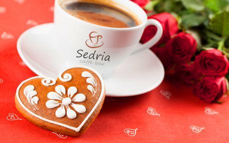 Pre zamilovaných: 2x presso s mliečkom + 2x valentínsky medovníček alebo 2x 2dcl vína Vinanza + 2x medovníček v Caffe Bar Sedria! Vezmite svoju lásku na sladké rande!