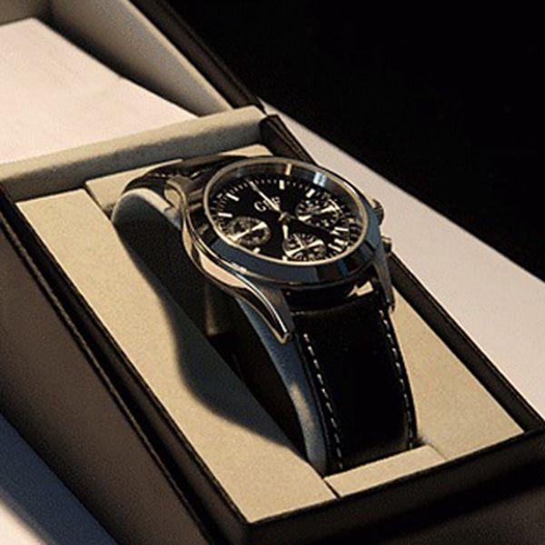 Elegantné pánske hodinky teraz len za 19,90 €. Potešte seba či svojho známeho štýlovým darčekom so zľavou až 72%.