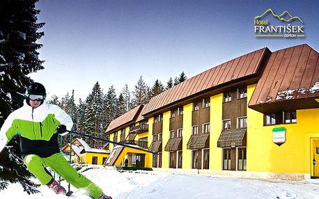 79 € za trojdňovú lyžovačku pre dvoch v malebnom prostredí Javorníkov so zľavou na skipasy, polpenziou a vstupom do krytého bazéna.