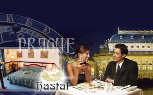 Romantika v Praze se slevou 50%! 3 DENNÍ pobyt pro 2 osoby v luxusním hotelu Haštal**** přímo na Starém Městě včetně bohatých SNÍDANÍ, přípitku a speciálního dárku od majitele hotelu! Exkluzivní cena 2 499 Kč!