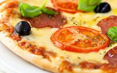 2× PIZZA za 129 Kč! Pečená na pravém dřevě v italské restauraci la GUZZA v centru Brna