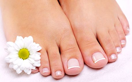 Zaslúžený relax a oddych pre vaše nohy. Klasická pedikúra s peelingom so 60% zľavou len za 8,40€.