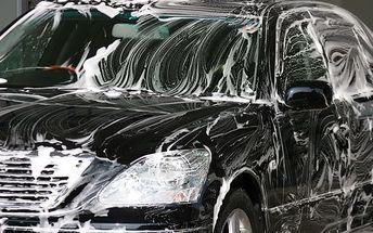 Príďte so svojím autom na kompletné umytie exteriéru a interiéru aj s vystriekaním podvozku len za 11,90€ s 50% zľavou.