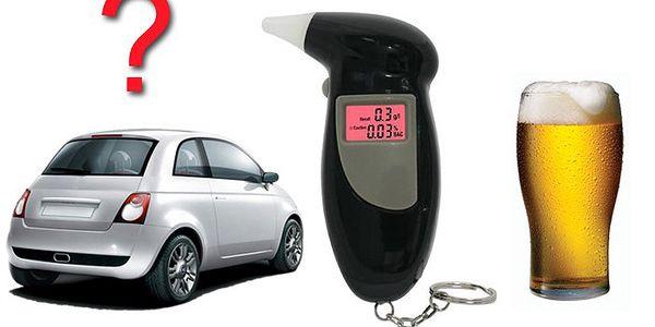 Kapesní digitální alkohol tester, se kterým si můžete snadno ověřit hladinu alkoholu.