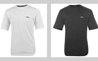 Pánské tričko značky Slazenger ve třech barvách. Kvalitní triko z příjemného materiálu.