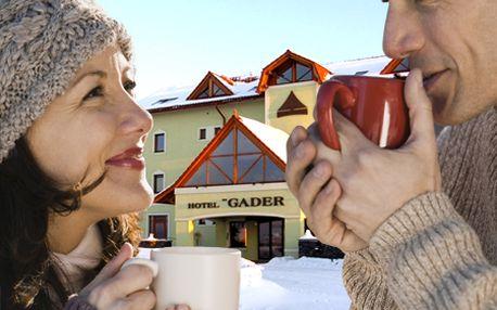 Zahoďte starosti a nechajte sa uniesť oázou relaxu a dotyku prírody v okolí Hotela GADER vo Veľkej Fatre! Komfortné ubytovanie s polpenziou, sauna, tenis, bicykle a zľava na skipas!
