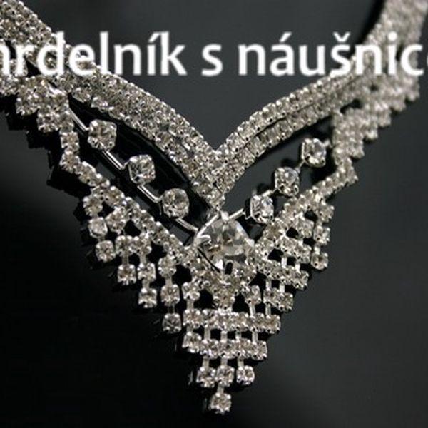NÁHRDELNÍK S NAUŠNICEMI - luxus!
