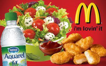 Chutný Caprese šalát s dressingom + 6 Chicken McNuggets s omáčkou a voda aquarel len za 3,90€ namiesto pôvodných 7,80€.