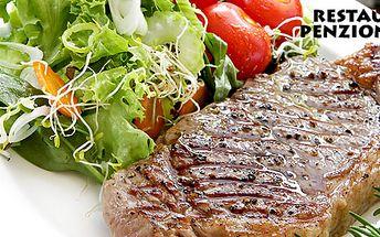 Výtečný steakový talíř se salátem až pro 3 osoby
