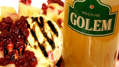 Grilovaný hermelín s brusnicovou omáčkou a varenými zemiakmi + 0,3 l pivo GOLEM len za 4,20 €! Obľúbená pochúťka v známom pivovare v centre mesta!
