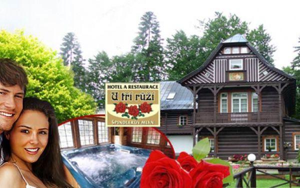 Centrum Špindlerova Mlýna a romantika v hotelu U Tří Růží*** na bývalém loveckém zámečku! Jen 3890 Kč za čtyři dny PRO DVA s bohatou POLOPENZÍ a privátním WELLNESS!