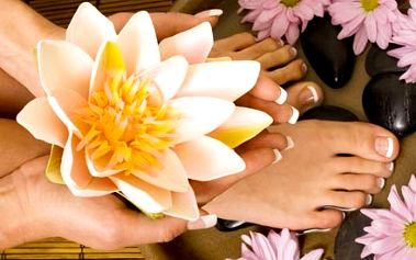 Balíček profesionální manikúry a wellness pedikúry s použitím luxusních přírodních přípravků z Tibetu.