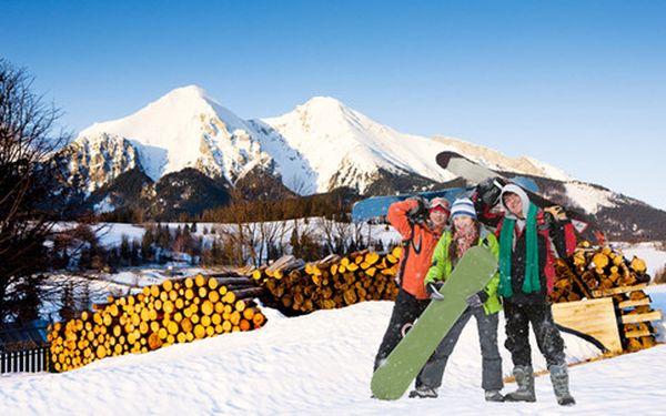 Relax v nedotknutej prírode Belianskych Tatier, lyžovanie so zľavami, turistika, termálne pramene. 4 dni v penzióne Šilon s polpenziou. Platnosť kupónu do septembra.
