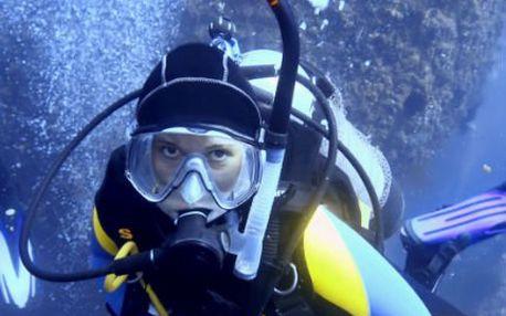 Potápěčem na zkoušku včetně zapůjčení výstroje.