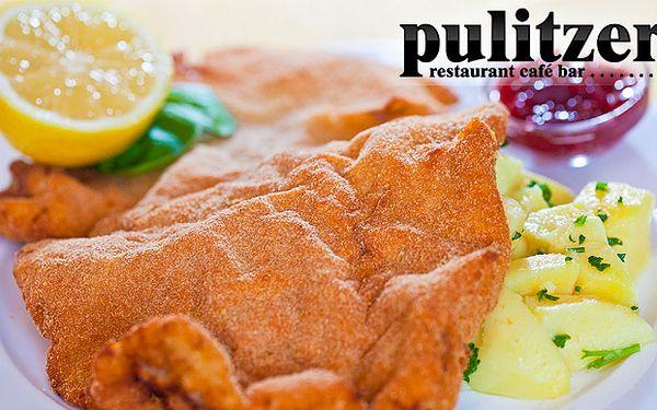 Milujú ho gurmáni i gurmánky. Len za 4,90 € dostanete v reštaurácii Pulitzer 200g teľací wiener schnitzel - pravý viedenský rezeň s varenými zemiakmi po 65% zľave.