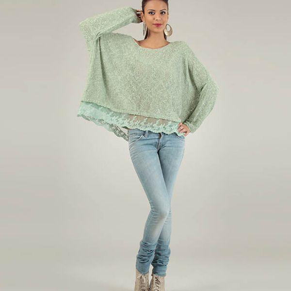 Dámsky mentolový oversized sveter Lilly´s Mood s čipkovým lemom