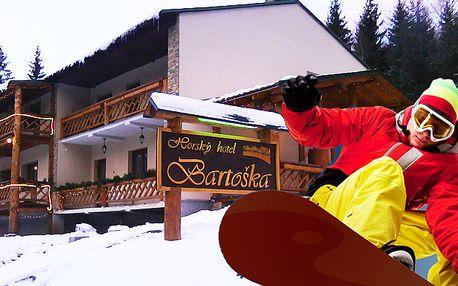 Sneh, ticho a pohoda na rozhraní Kremnických hôr a Veľkej Fatry v horskom Hoteli Bartoška počas troch alebo štyroch dní so zľavou až 53%. Polpenzia, sauna, zľava na skipassy a veľa zábavy už od 77€.