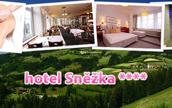 3000 Kč za luxusní wellness romantický balíček pro dva v malebném 4* Hotelu Sněžka Špindlerův Mlýn – 3 dny pro 2 osoby včetně snídaně, využití hotelového Spa&Relax centra a masáže pro každého