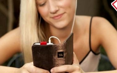 Luxusný kožený Retro Book obal pre iPhone 4/4S, ktorý chráni Váš telefón a zároveň do neho môžete vložiť napr. vodičský preukaz, kreditnú kartu alebo peniaze.